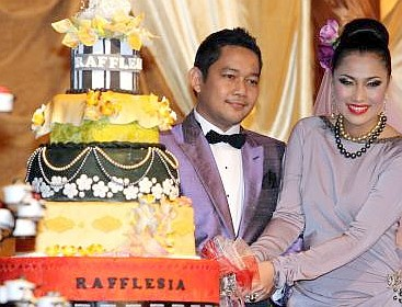 The Star : Couple's wedding an elaborate affair